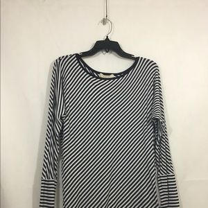 NEW WITHOUT TAGS WOMEN SWEATER